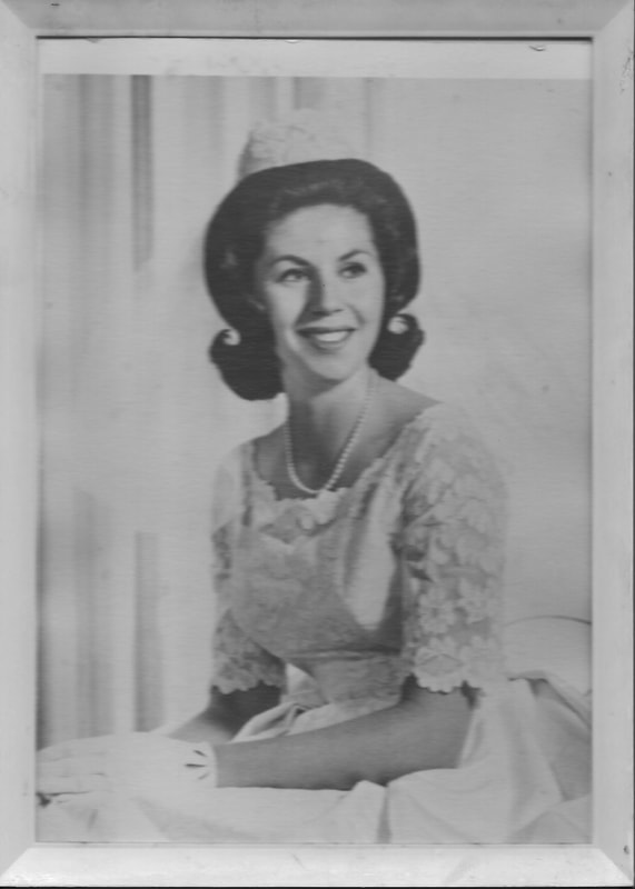 Lois Rosenfelt, Mother of Noe Badillo, Noe Badillo Portrait of my Mother, Antique Wedding Portraits, Bridal Photography, Wedding Dresses, Vintage Wedding Gowns, hairstyles from the 50s